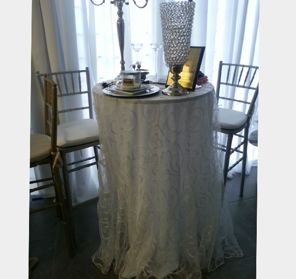 5 foot serpentine table rental  - Miami - Fort Lauderdale and South Florida
